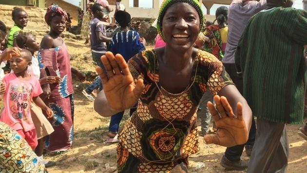 """""""Krone"""" in Sierra Leone: Im Schatten von Ebola (Bild: Gregor Brandl)"""