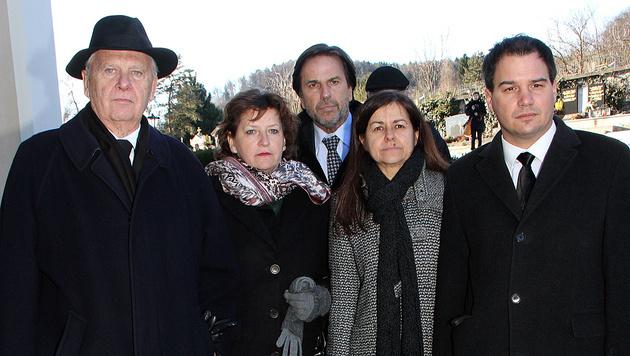 v.l.: Peter Schachner-Blazizek, Ursula Lackner, Franz Voves, Doris Kampus, Michael Schickhofer (Bild: Christian Jauschowetz)