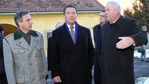 Arnold Schwarzenegger mit dem Grazer Bürgermeister Siegfried Nagl (li.) und LH Hermann Schützenhöfer (Bild: Christian Jauschowetz)