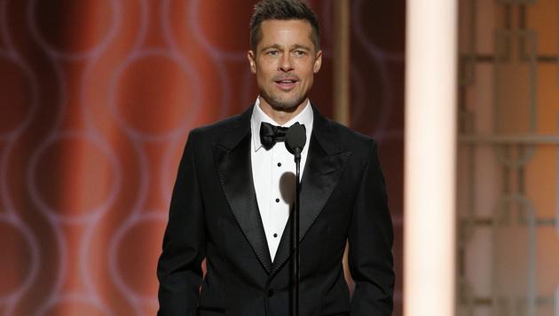 Abgemagert, aber tapfer lächelnd, zeigte sich Brad Pitt am Sonntagabend bei den Golden Globes. (Bild: AP)