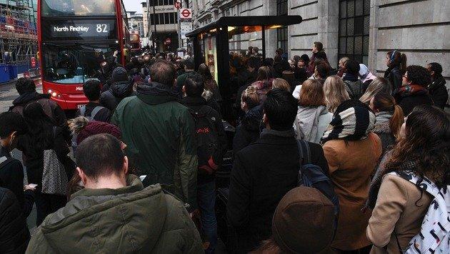 U-Bahn-Streik sorgt für Chaos in London (Bild: APA/AFP/Justin Tallis)