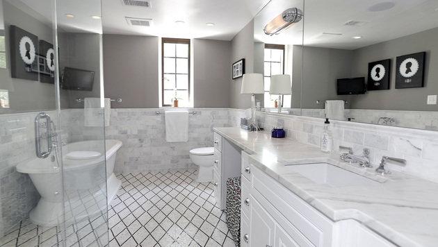 Eines der acht Badezimmer (Bild: McFadden Group)