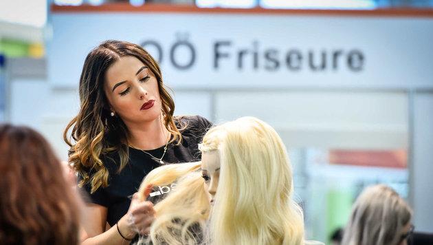 Mädchen wählen gerne klassische Berufe wie Friseurin. (Bild: Markus Wenzel)