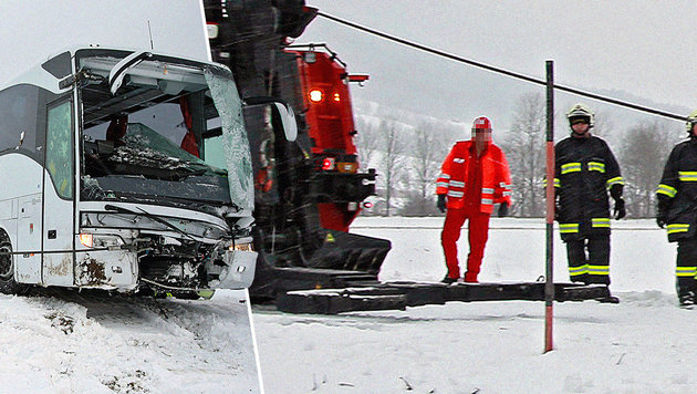 """Der """"falsche"""" Sanitäter (links) beim Einsatz nach dem Busunfall in OÖ. (Bild: Manfred Fesl)"""