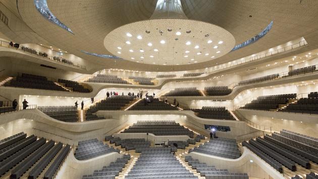 Der Konzertsaal der Elbphilharmonie (Bild: AP)