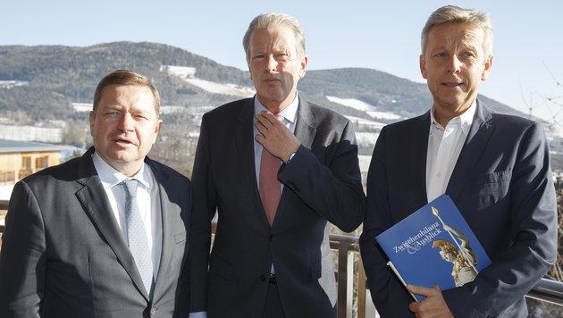 ÖVP-Generalsekretär Werner Amon, Parteiobmann Reinhold Mitterlehner und Klubobmann Reinhold Lopatka (Bild: APA/ERWIN SCHERIAU)