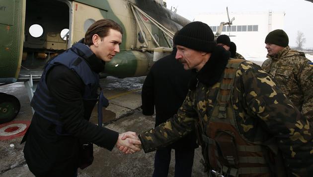 Sebastian Kurz bei seinem Besuch in der Ostukraine (Bild: APA/BMEIA/DRAGAN TATIC)