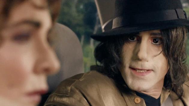 Joseph Fiennes als Michael Jackson (Bild: Viennareport)