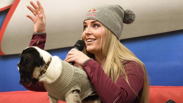 Hündchen Lucy stiehlt sogar sexy Lindsey die Show! (Bild: APA/ROBERT JAEGER)