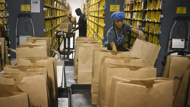 Amazon: 100.000 Stellen binnen 18 Monaten in USA (Bild: AP)