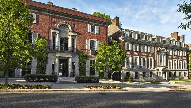 Die beiden Häuser des ehemaligen Textilmuseums sollen zu Bezos neuer Luxus-Bleibe werden. (Bild: museum.gwu.edu)