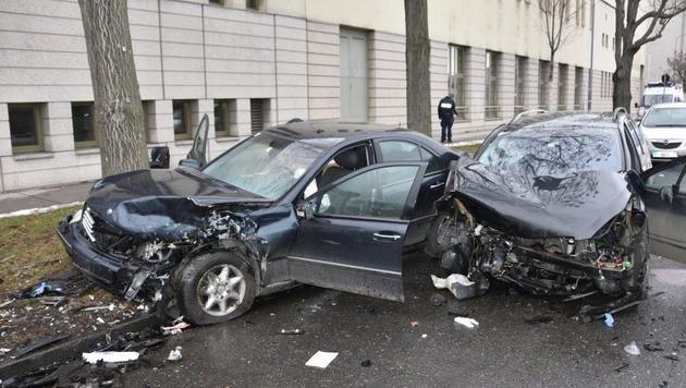 Ein Toter und 4 teils Schwerverletzte bei Unfall (Bild: MA 68 Lichtbildstelle)