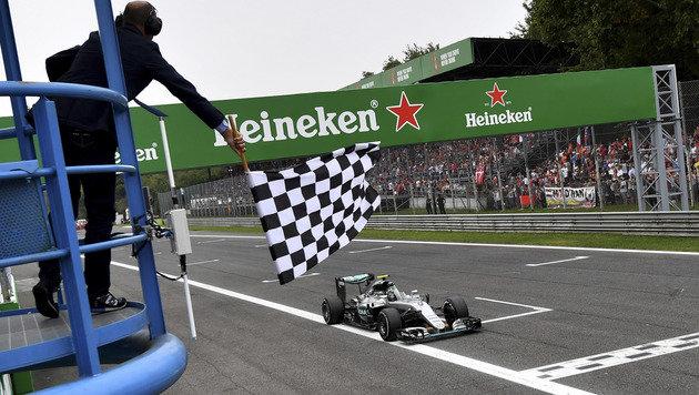 F1-Kurse müssen sich für schnellere Boliden rüsten (Bild: AP)