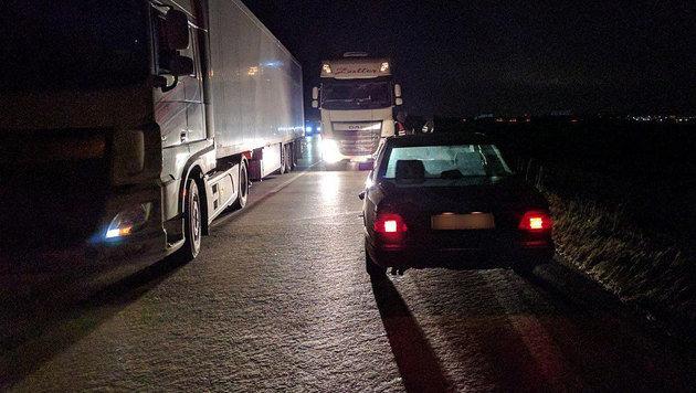 Lkw-Lenker stoppen Geisterfahrer auf A2 in NÖ (Bild: Einsatzdoku.at)