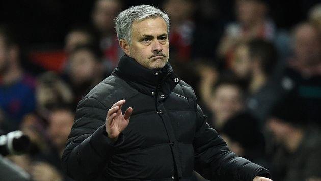 Mourinho bekam von Chelsea über 11 Millionen (Bild: APA/AFP/OLI SCARFF)