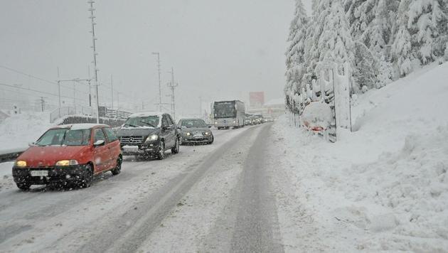 Stau am Brenner (Bild: APA/DANIEL LIEBL/ZEITUNGSFOTO.AT (Archivbild))