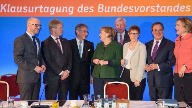 Die Spitzen der CDU auf ihrer Klausurtagung (Bild: APA/AFP/dpa/OLIVER DIETZE)