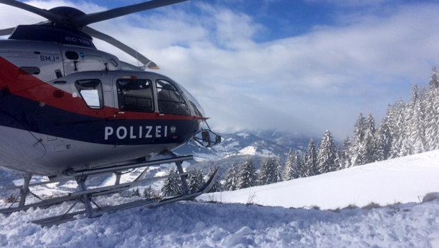 Lawinenhund rettet 23-Jährigen aus Schneemassen (Bild: zeitungsfoto.at)