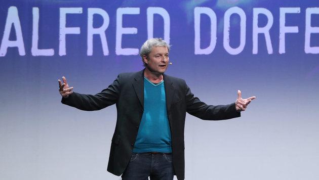 Alfred Dorfer während der Verleihung des Deutschen Kabarett-Preises (Bild: APA/dpa/Daniel Karmann)