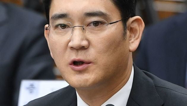 Haftbefehl gegen Samsung-Chef Lee beantragt (Bild: APA/AFP/POOL/JUNG YEON-JE)