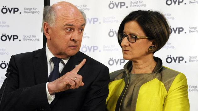 Mentor Erwin Pröll und seine mögliche Nachfolgerin als Landeschefin, Johanna Mikl-Leitner (Bild: APA/HERBERT PFARRHOFER)