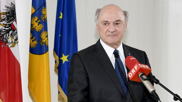 Bei einer Pressekonferenz erklärte Erwin Pröll nun seinen Rücktritt als Landeshauptmann. (Bild: APA/NLK REINBERGER)