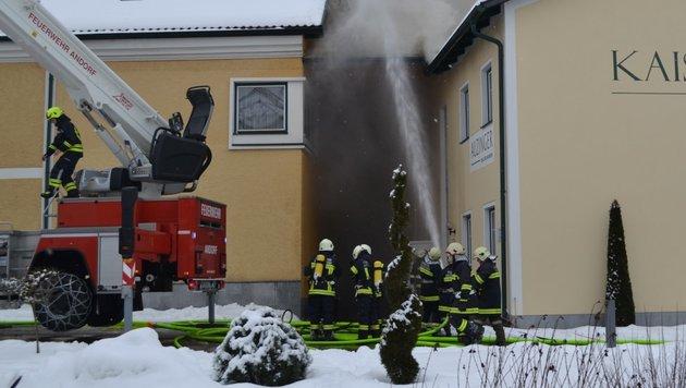 Feuer in Trachtenmodenfabrik (Bild: FF Enzenkirchen)