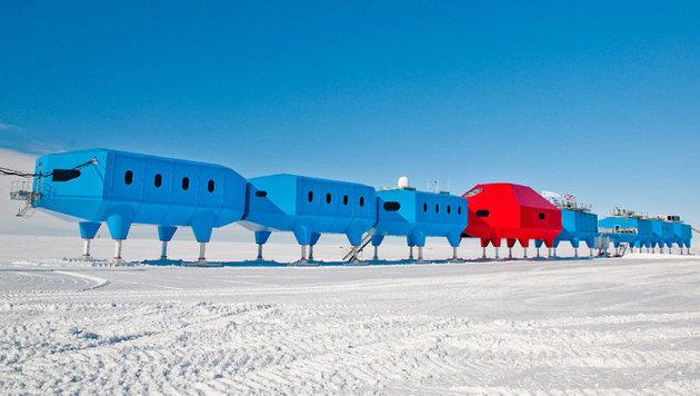 """Die acht Module der Forschungsstation """"Halley VI"""" (Bild: British Antarctic Survey)"""