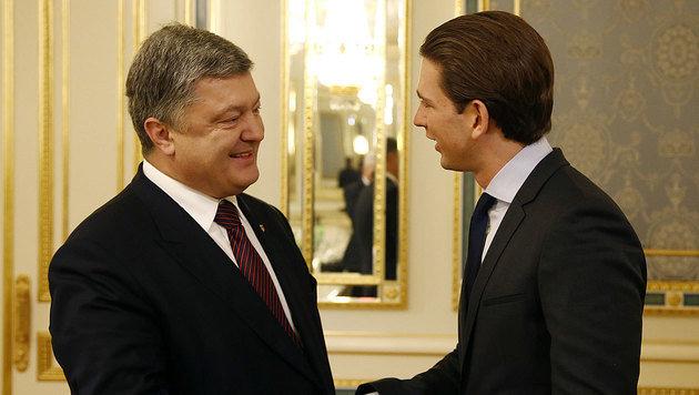 Außenminister Kurz beim Treffen mit dem ukrainischen Staatspräsidenten Poroschenko (Bild: APA/AUSSENMINISTERIUM/DRAGAN TATIC)