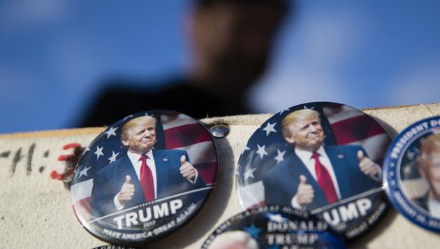Trump-Souvenirs (Bild: AP)