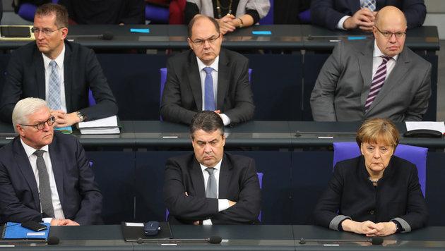 Deutscher Bundestag gedachte der Terroropfer (Bild: AFP)