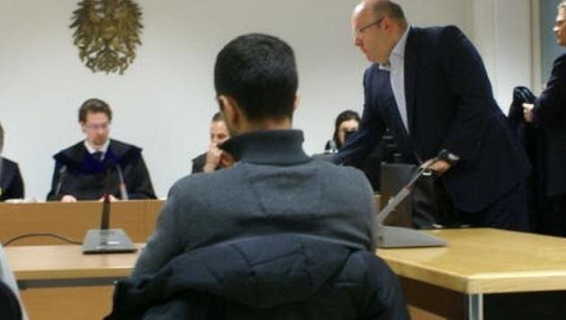Der Angeklagte Oltjon B. wurde freigesprochen. (Bild: Antonio Lovric)