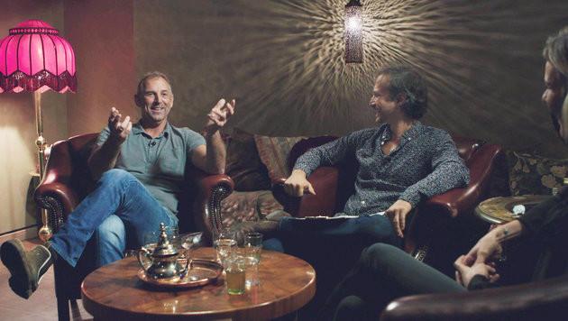 Thomas Muster erzählt aus seinen Jugendtagen, Ostrowski und Raich lauschen (Bild: ORF)