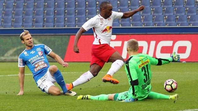 Red Bull Salzburg lässt Yabo zu Bielefeld ziehen! (Bild: APA/KRUGFOTO)