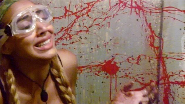 Sarah Joelle ekelt sich vor ihrer Dschungelprüfung. (Bild: RTL)
