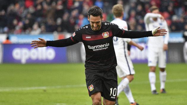 Leverkusen besiegt Hertha - Dragovic verletzt out (Bild: AP)