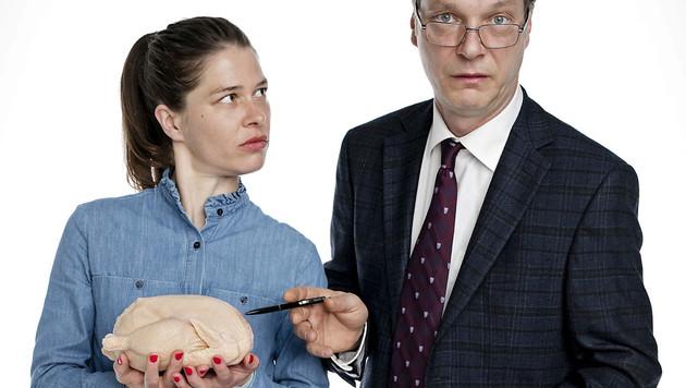 Carla mit ihrem Abteilungsleiter Mühlens (Martin Brambach). (Bild: ARD/Jens van Zoest)