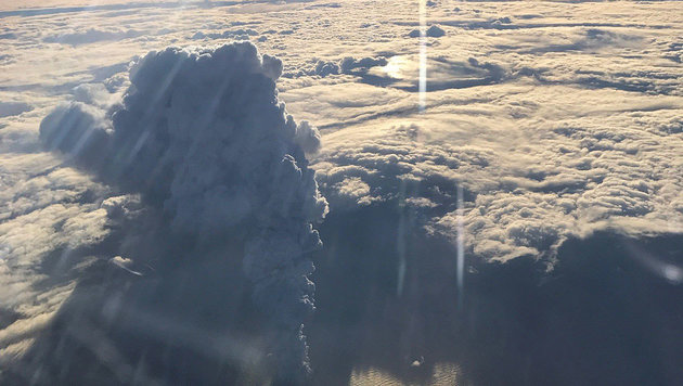 Ein Ausbruch des Bogoslof am 20. Dezember 2016 (Bild: Alaska Volcano Observatory/Paul Tuvman)