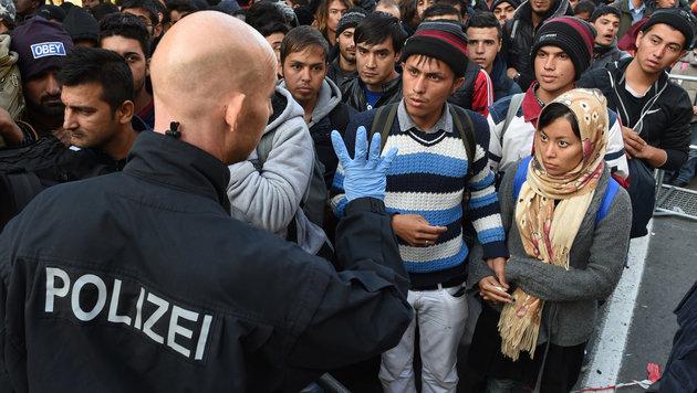An Österreichs Grenze: Deutsche Polizei rüstet auf (Bild: AFP)