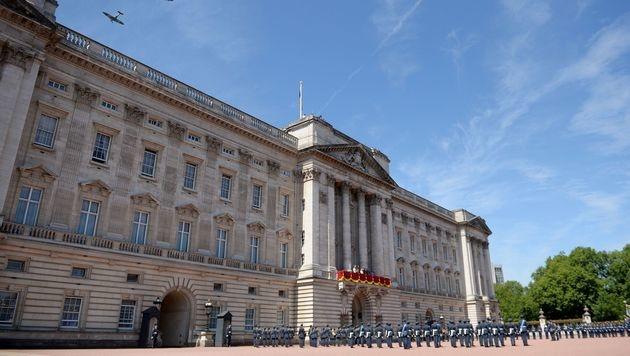 Der Buckingham Palace in London (Bild: AFP)