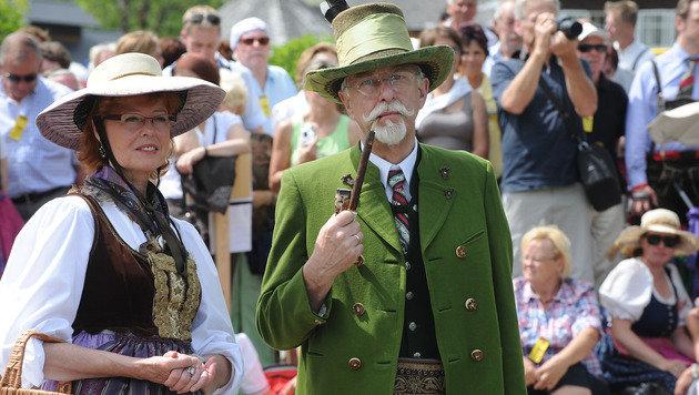 Die Österreicher sind stolz auf ihre Trachten. (Bild: APA/BARBARA GINDL)