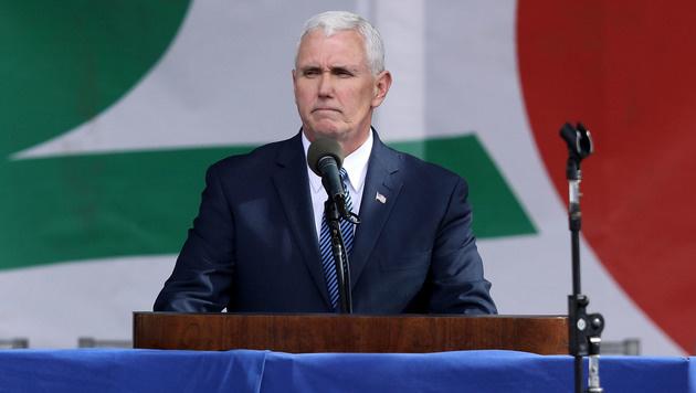 US-Vize-Präsident Mike Pence redet vor Tausenden Abtreibungsgegnern. (Bild: 2017 Getty Images)