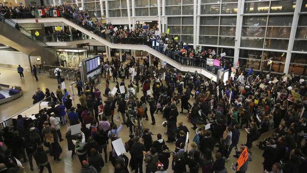 Auch in Seattle demonstrierten zahlreiche Menschen gegen den Einreisestopp. (Bild: ASSOCIATED PRESS)