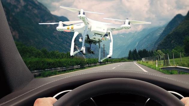 Bayern: Lenkerin prallt auf Autobahn gegen Drohne (Bild: thinkstockphotos.de (Symbolbild))