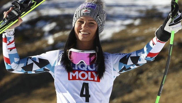 Irre! Anna Veith rast in Cortina auf Platz 3 (Bild: Associated Press)