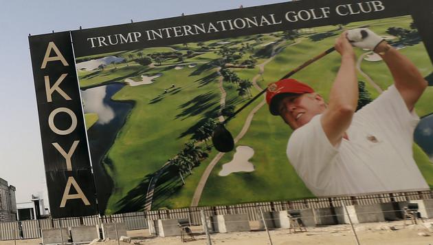 Ein golfspielender Donald Trump warb 2015 für den Trump International Golf Club Dubai. (Bild: AFP)
