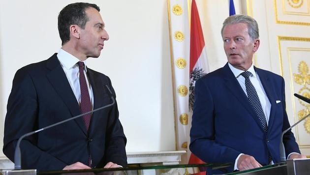 Koalitionspakt steht: SPÖ und ÖVP stimmten zu (Bild: APA/HELMUT FOHRINGER)