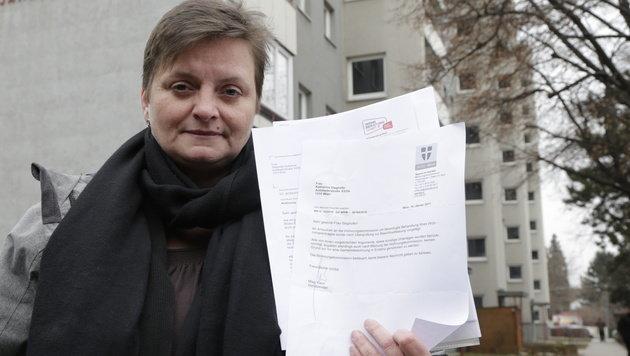 Katharina Steghofer (44) kämpft seit acht Jahren vergeblich um eine Gemeindewohnung. (Bild: Klemens Groh)