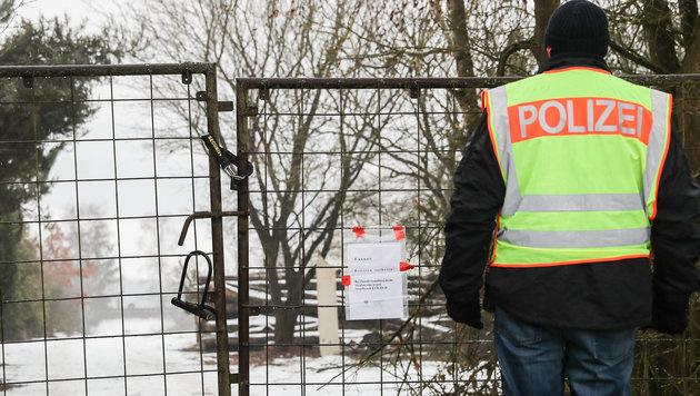 D: Woran starben die sechs Teenager im Gartenhaus? (Bild: APA/dpa/Daniel Karmann)