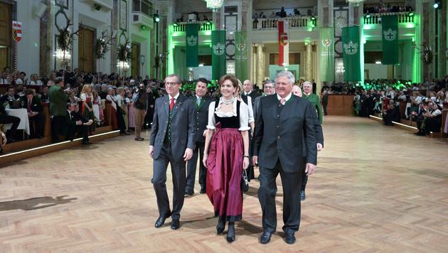 Landeshauptmann W. Haslauer, Landtagspräsidentin Brigitta Pallauf, Landesjägermeister Josef Eder (Bild: APA/HERBERT NEUBAUER)